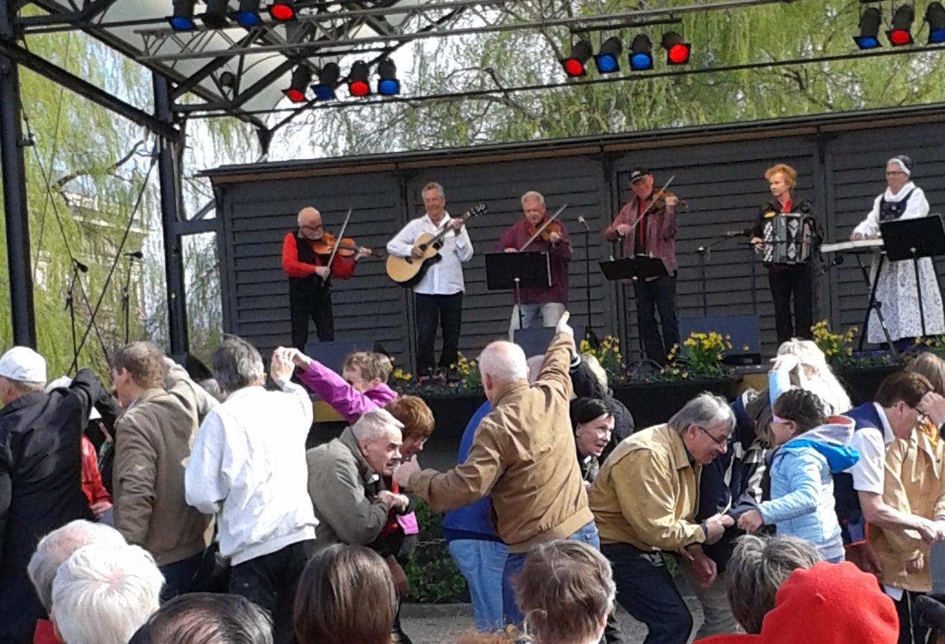 29/4: Dansens Dag i Kungsträdgården